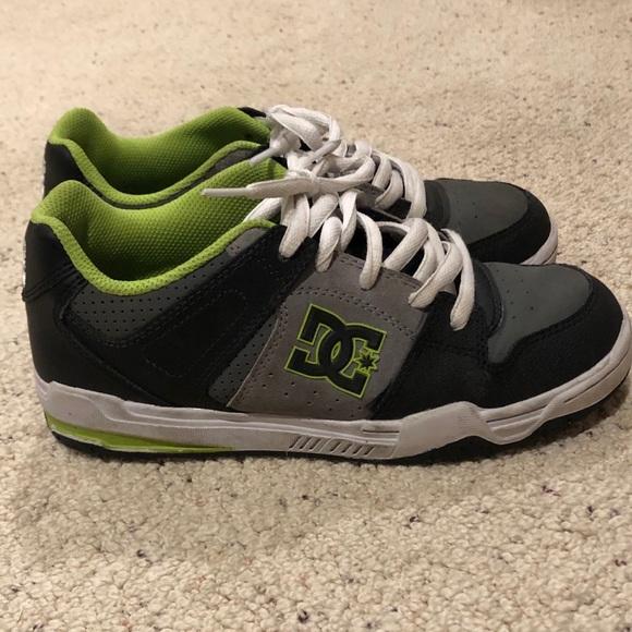 DC Shoes   Size Youth 55   Poshmark